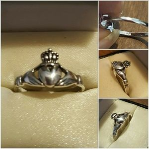 Jewelry - Genuine .925SS Classic CELTIC Claddagh Ring.